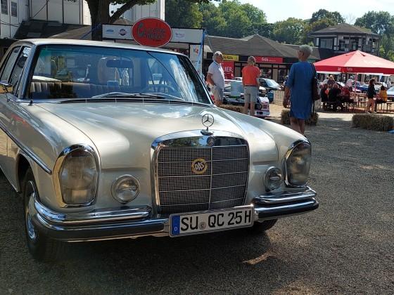 Mein W108 250S am 5. September 2021 auf der Classic Köln in Weidenpesch.