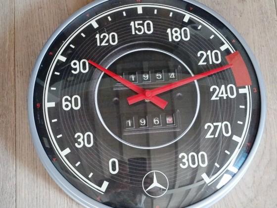 Uhr im 108er Look