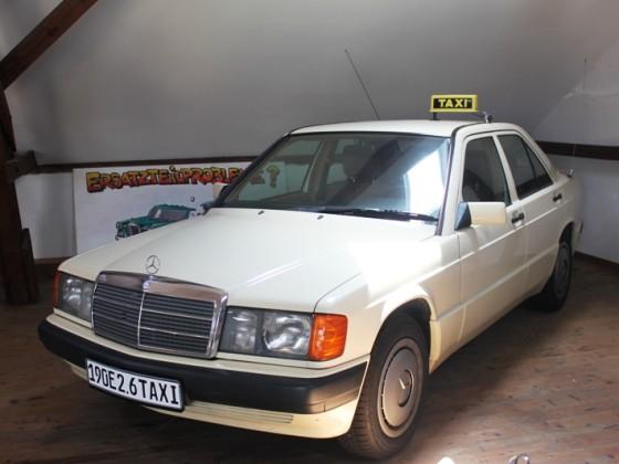 260E W201 Taxi
